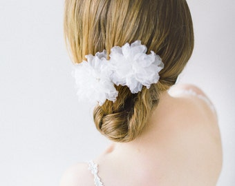 Bridal Hair Flower, Floral hair pins, Silk Flowers, Floral Headpiece, Blossom Headpiece, Wedding Hair Pins, Ivory Hair Flowers - Style 609