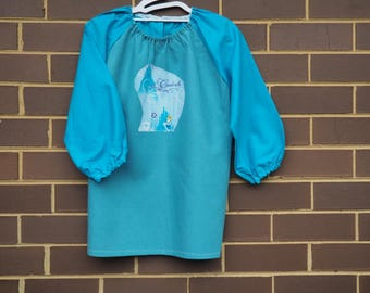 Back to school kids art smock, long sleeve waterproof front craft apron. Fits age 5 to 8. Princess.