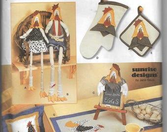 Uncut Sewing Pattern, Simplicity 7166, Kitchen Accessories, Chicken, Rooster, Message Board, Oven Mitt, Potholder, Place Mat, Tablerunner