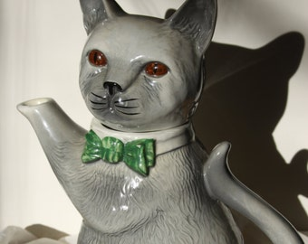 Sale TEAPOT by H J Wood Pussyfoot not Tony Wood Gray cat kitty Made in England signed Ceramic cat with green bowtie Excellent condition