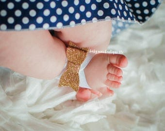 Baby Girl Barefoot Sandals; Gold Glitter Nylon Bow Headband; Gold Bow Sandals; Faux Leather glitter Headband; Infant sandals