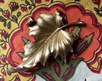 Vintage 1960s Crown Trifari Leaf Brooch Pin - Big Gold Leaf - Trifari Jewelry- leaf Jewelry - Leaf brooch - Coat pin Brooch - Large Leaf