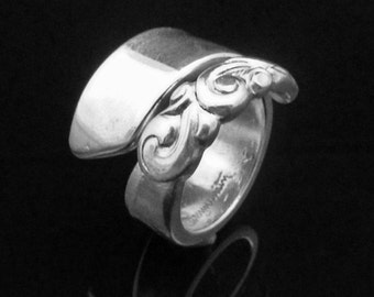 Vintage Decorative Spoon Ring, South Seas 1955, Ocean Themed Jewelry
