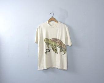 Vintage 90's graphic tee, sea turtle shirt, size medium