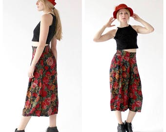 90s Wideleg Culottes- M/L, Palazzo, High Waist, Floral, Red, Burnout Hipster, Capri Length