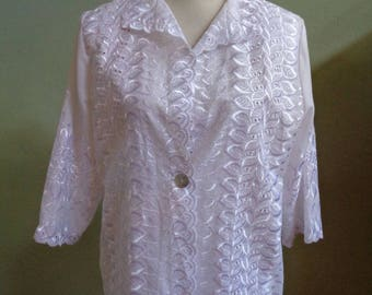 """Vintage Lori AM Casuals Eyelet Lace 3/4 Length Sleeves Unlined Jacket Single Button Closure Bust 42"""" Waist 41"""""""
