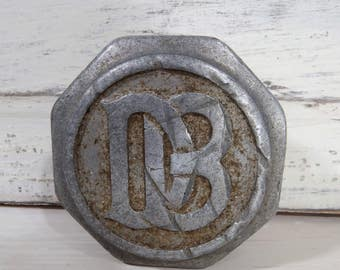 1920s Dodge Brothers Automobile Screw On Hub Cap Cover, Grease Cap