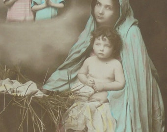 Vintage Unused French Christmas Postcard - Mary & Jesus by the Manger