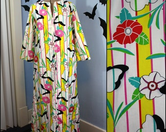 Womens Vintage 80s Bright Caftan Robe Size Small by David Brown California Butterflies Flowers House Coat Retro Lounge Wear