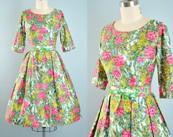 Vintage 50s Dress / 1950s Cotton Belted Sundress Pink Red FLORAL Painterly Green Watercolor Rose Roses Full Skirt Picnic Garden Party XS