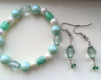 Green and White Bracelet and Earring Set, Pale Green Barrel Earrings
