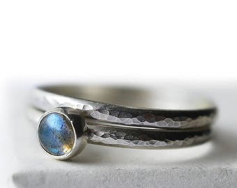 Simple Labradorite Engagement Ring Set, Custom Engraved Women's Wedding Set, Hammered Silver Band, 5mm Round Natural Gemstone Bridal Ring