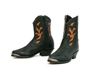 Vintage 1980's Laredo Brand Zip Up Western Boots Women's Size 7 1/2 M Made in Brazil Country Western Rocker