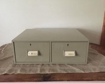 Fabulous VINTAGE INDUSTRIAL metal double filing box . My vintage home / Organisation