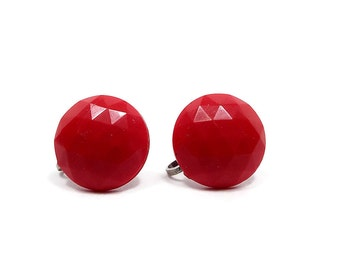Bright Red Vintage Screw Back Earrings Faceted Round Silver Tone Retro Womens Mod Jewelry