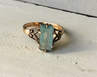 Vintage 10k Yellow Simulated Blue Topaz Ring. Vintage Gold Ring. Alternative Engagement Ring. Blue Topaz Ring  - Size 4.25