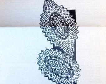 Vintage 1950s Design Mail Order Crochet Craft Pattern 7047 Crocheted Runner Doily, Diamond Motif, Thread Lace Tabletop Centerpiece Doilies