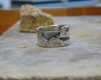 Handmade 925 silver man ring mountains plateau hammered etched scratched recycled scrap silver abstract