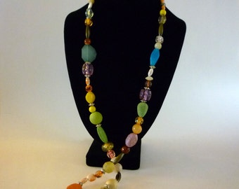 Vintage Glass Bead Flapper Necklace, Glass Lucite Bead Jewelry