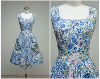 Vintage 1950s Dress • Spring Bouquet • Purple Pink Green Floral Cotton 50s Day Dress Size Small
