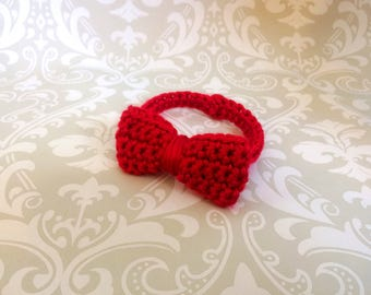 Crochet baby bow tie, size newborn - an adorable baby shower gift, available now