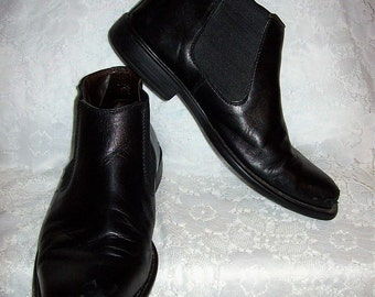 Vintage Mens Black Leather Slip On Ankle Boots by Johnston & Murphy Size 9 Only 15 USD