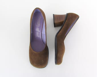 Tawny Brown Suede Pumps - Vintage NOS Womens Stacked Heels in size 8 - 8.5 W US or 38.5 - 39 Euro