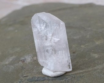 Pink Danburite Crystal, High Grade, Raw Mineral, Terminated Point, Clear, Uncut Rough Stone Rock MEXICO 8.7g/43.5ct 31mm Serenity (11-129)