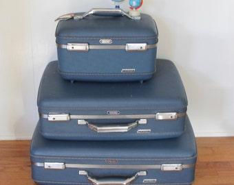 3 American Tourister Blue Tri-Taper Cases // Smart Blue Set