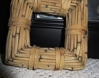 """Vintage 90's wicker and reed frame 5"""""""