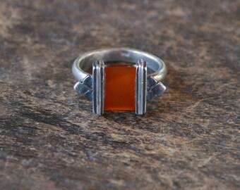 Vintage Sterling Silver Carnelian Ring 925 Modernist Geometric Square Red Semi Precious Stone Size 8 US Retro 1940's // Vintage Jewelry