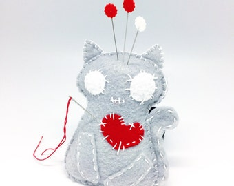 Sewing gift, felt Pincushion, felt cat, seamstress tool, felt wristband pincushion, sewing accessory, pin holder, needle cushion
