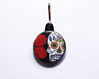 Sugar Skull charm, zipper pull, Day of the Dead, Skull zipper pull, purse charm, Sugar Skull, Cinco de Mayo, black, red, rose (7520)