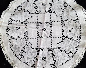 Very fine antique, vintage doily in off white, ivory