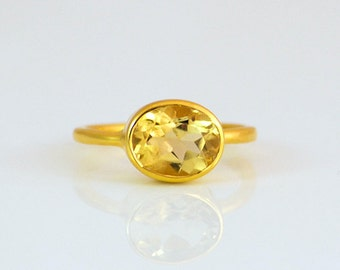 Champagne Citrine Ring - November Birthstone Ring - Gemstone Ring - Stacking Ring - Sterling Silver Ring - Oval Cut Ring - Gold ring