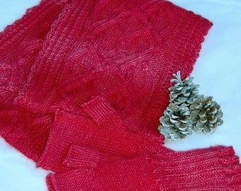 """MOTHER'S DAY SALE: Infinity Scarf and Fingerless Mittens-Set """"Dunira Island"""", hand knit in soft Baby Alpaca-Silk blend"""