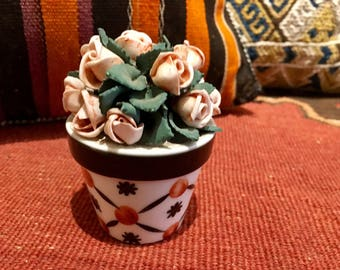 ANTIQUE FRENCH PORCELAIN collectible flower pot with extraordinary roses and detail circa 1930's