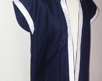 XL-2XL Lord's Surcoat with Hood in Navy Blue Linen with White & Silver Trim
