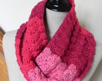 Crochet cowl scarf in shades of red and pink is ready to ship, neck warmer infinity scarf #524