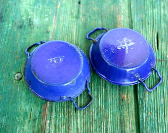 Small Italian royal blue enamelware pans