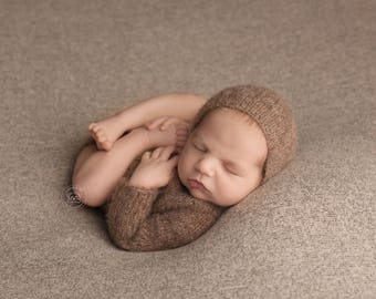 Newborn baby girl or boy, hand knitted  Long Sleeve Onesie Romper and Bonnet set/ Luxury yarn Photography Prop/ Baby Alpaca Romper