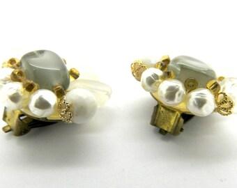 Cluster earrings, Vintage clip on earrings pearl,  White clip on earrings, non pierced earring clips, gift for women clip on earrings