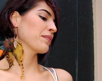The Grace- Feather and Sea Shell Single Earring
