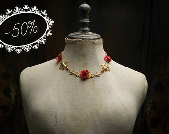 SALE · Victorian style raw brass choker necklace with fabric flowers and bees, romantic and vintage look. Red color