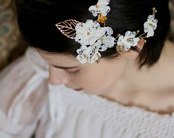 Fascinating Vintage Bridal Wedding Accessories Lace Flower Hair clip with pin, wedding Lace Head Piece