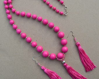Recycled 1960s HOT PINK and Glass Bead Tassel Necklace and Earrings N65 by Southwest Dreaming