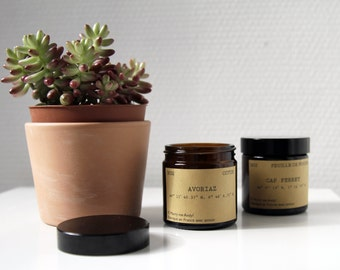 """Soy Candle personalized """"Cap on"""" Wick wood made in France where wedding guests witness"""