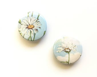 Daisy Magnets / Golden Nature Guide Magnets / Office Organizer / Floral Home Decor / Entryway Dorm Kitchen / Stocking Stuffer