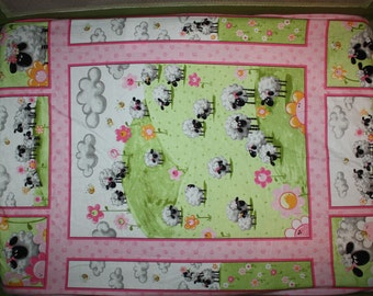 Fitted Pack n Play Sheet - Suzy Bee Lambs