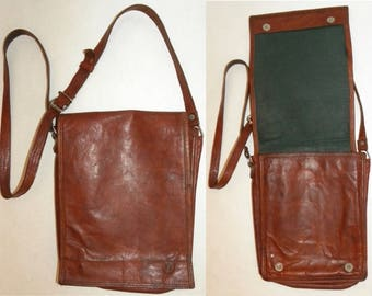 """1970s Vintage Brown RUSTIC Leather Cross Body Bag / Leather Pouch / Purse / Handbag /10.75"""" x 8.5"""" x 3.25"""""""
